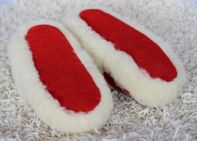 Hausschuhe Wolle und Leder rot