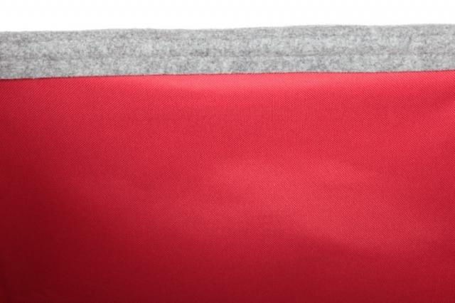 Kaminkorb aus Filz hellgrau mit rotem Innenfutter M