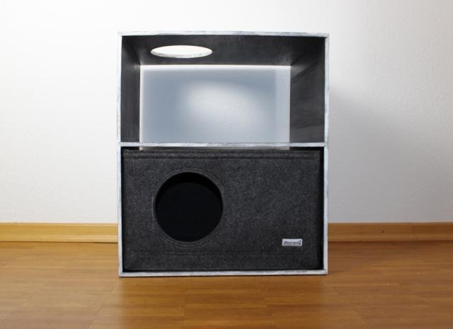 Katzenregal mit Filzbox