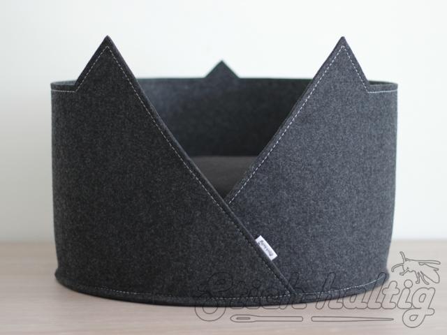 Rundes Katzebett aus Filz mit Ohren