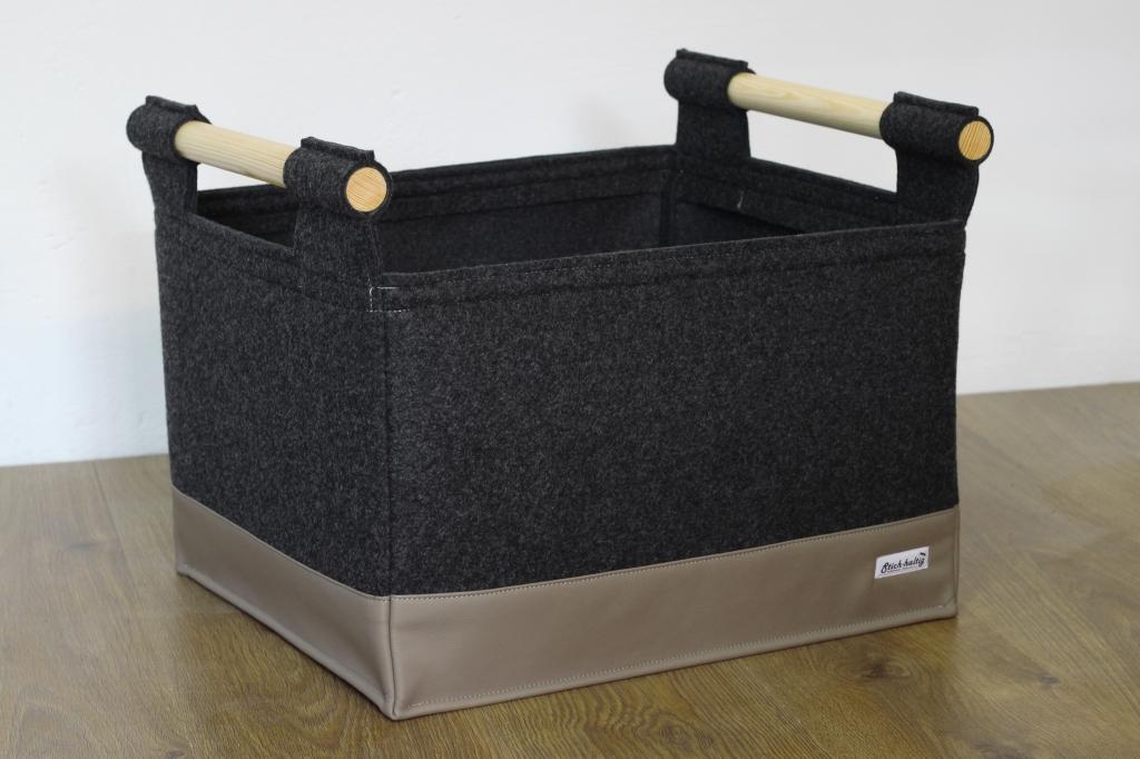 praktischer feuerholzkorb mit verst rktem boden von stich haltig. Black Bedroom Furniture Sets. Home Design Ideas